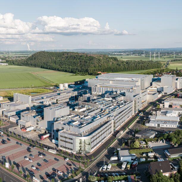 Panorama-Bild der Produktionsanlagen in Übach-Palenberg