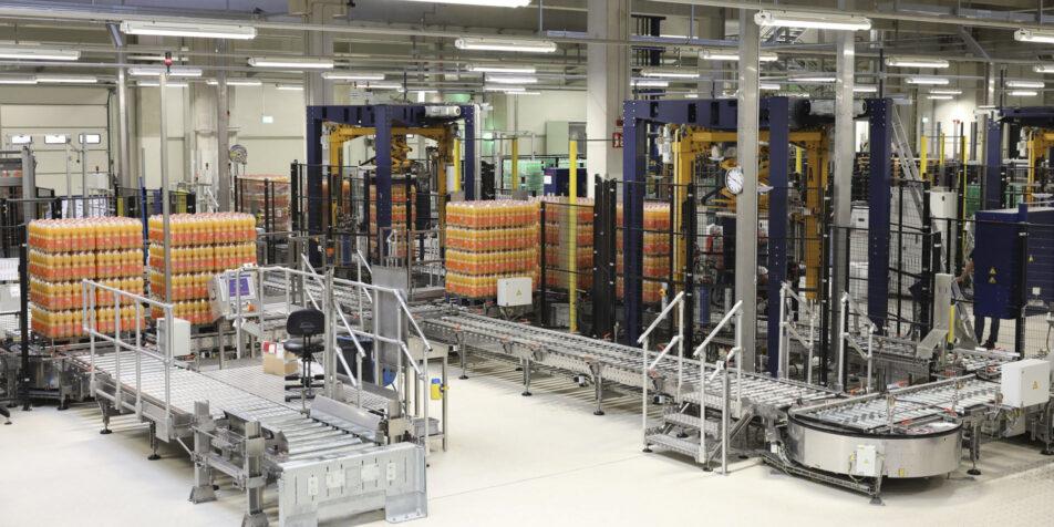 Ein Projekt der Pro Projekte: MEG Löningen abgefüllte Flaschen im Werk